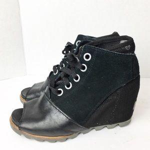 SZ 7 Black Sorel Peep Toe Lace Up Booties